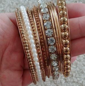 Jewelry - Bracelet/bangles stack